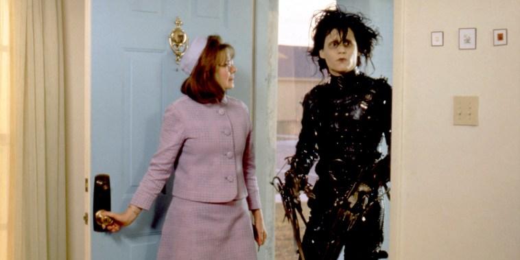 Dianne Wiest and Johnny Depp / Edward Scissorhands  / 1990 directed by Tim Burton [Twentieth Century Fox Film Corpo]