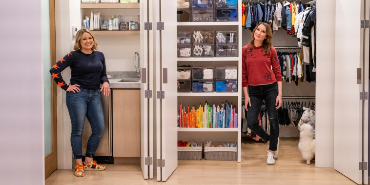 GET ORGANIZED WITH THE HOME EDIT (L to R) JOANNA TEPLIN and CLEA SHEARER in episode 104 of GET ORGANIZED WITH THE HOME EDIT Cr. CHRISTOPHER PATEY/NETFLIX (C) 2020