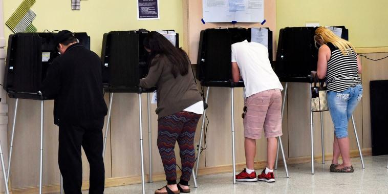 Image: Polling center Miami