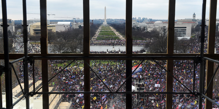 Image: Supporters of President Donald Trump gather outside the US Capitol's Rotunda on Jan. 6, 2021