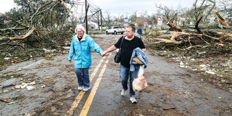 Image: Debris on street in Georgia after tornado
