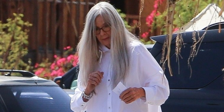 *EXCLUSIVE* Diane Keaton makes a fashion statement on the set of 'Mack & Rita'