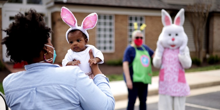 Image: Alexandria, Virginia Holds Easter Bunny Drive Through Event