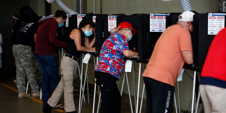 Image: Voters in Miami