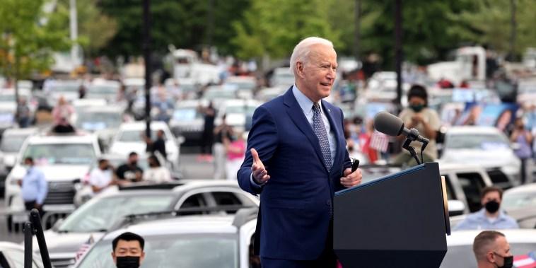 Image: U.S. President Biden attends drive-in car rally in Duluth, Georgia