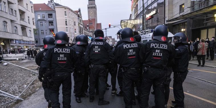 Image: German Police officers