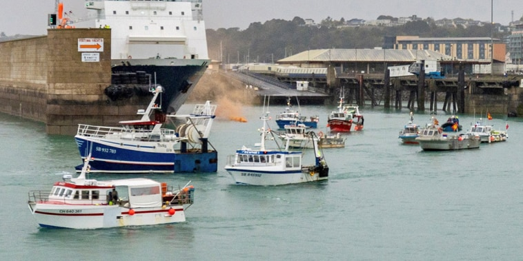 Image: French flotilla stages protest off Jersey in fishing row