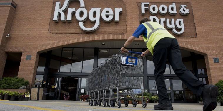Inside A Kroger Co. Store Ahead of Earning Figures