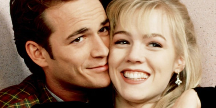 BEVERLY HILLS, 90210, Luke Perry, Jennie Garth, 1990-2000