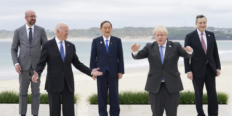 Image:U.S. President Joe Biden, front left, British Prime Minister Boris Johnson, front right, poses for photos with European Council President Charles Michel, back left, Japan's Prime Minister Yoshihide Suga, back center, and Italy's Prime Minister Mario