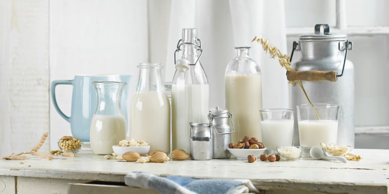 Vegan milk, Soy milk, almond milk, lactose-free, hazelnut milk, rice milk, oak milk