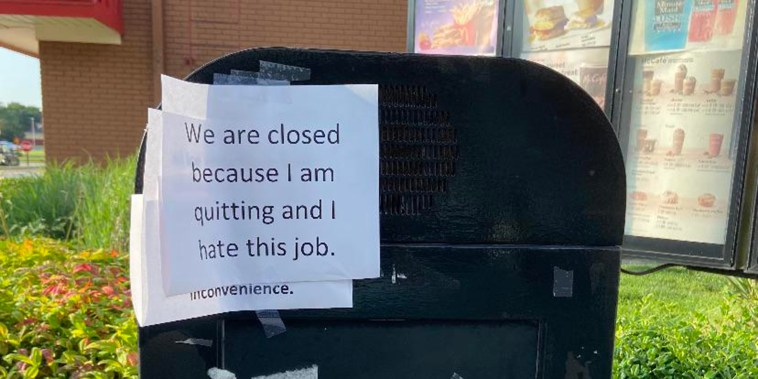 """""""We are closed because I am quitting and I hate this job"""" sign on drive-thru monitor at Mcdonalds"""