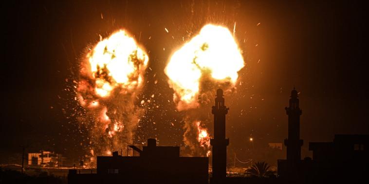 Image: Israeli air strikes hit Hamas targets in Gaza