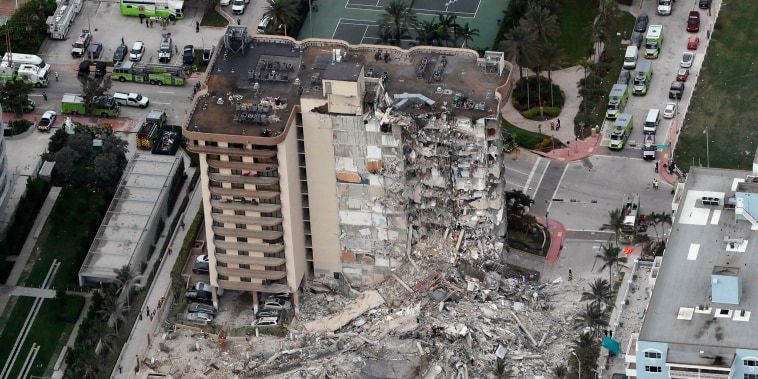 Image: Champlain Towers South Condo collapse