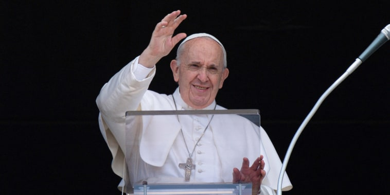 Image: VATICAN-RELIGION-POPE-PRAYER