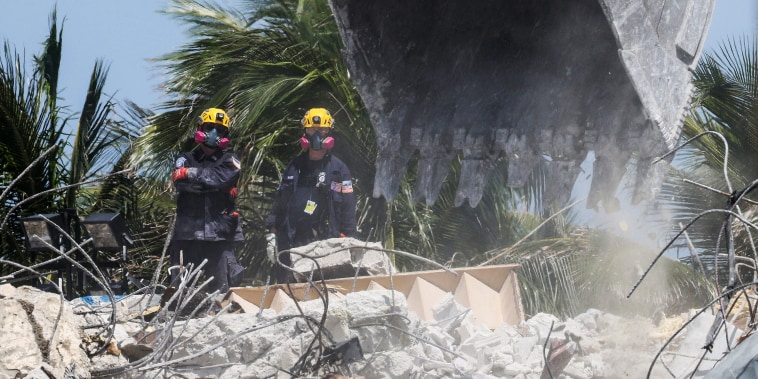 Image: Search Shifts To Recovery Operation At Surfside Condo Collapse