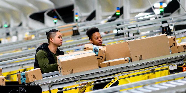 Image: Amazon DIstribution Center
