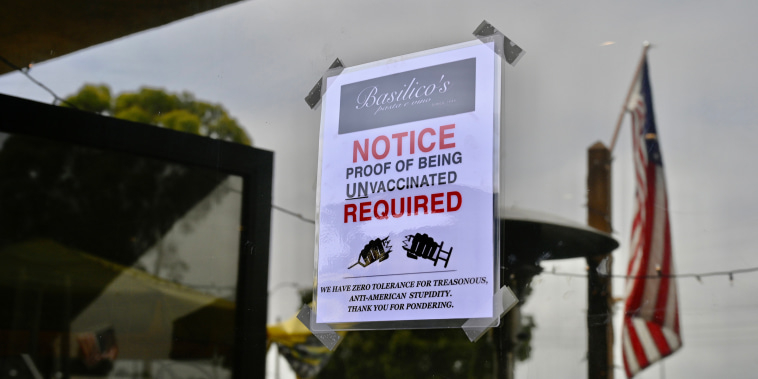 Huntington Beach restaurant urges unvaccinated diners