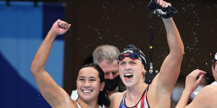 Image: Erica Sullivan, Katie Ledecky, Swimming - Olympics: Day 5