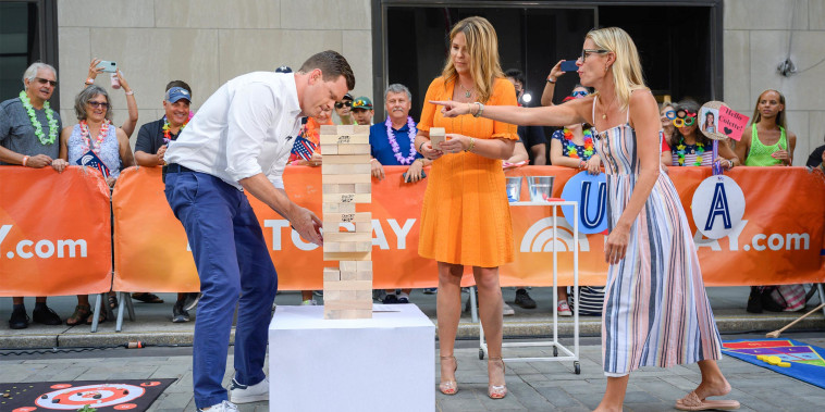 Jenna Bush Hager, Willie Geist and Meredith Sinclair share fun lawn games to buy on broadcast