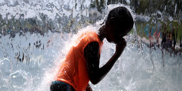 Image: BESTPIX Temperatures Soar As Heatwave Stretches Across The Nation
