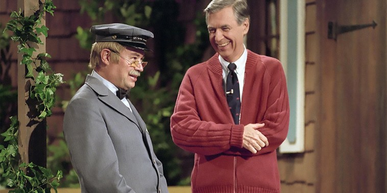 WON'T YOU BE MY NEIGHBOUR ? 2018 Temolo Productions film with David Newell at left and Fred Rogers