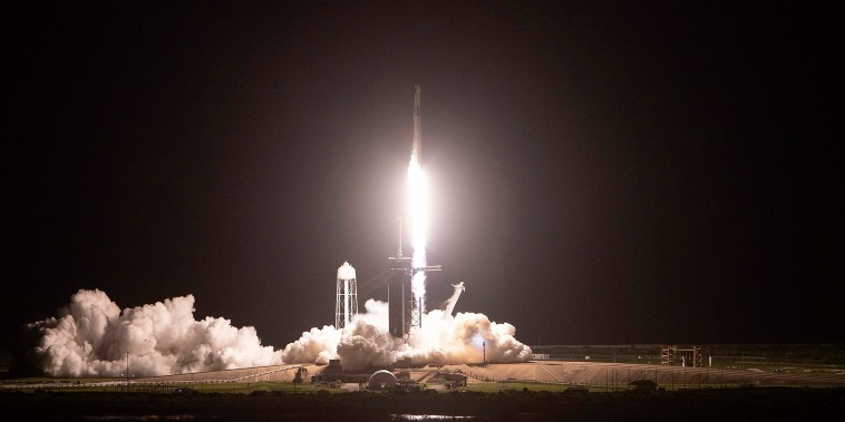 Image: BESTPIX - Space X Launches First Civilian Mission To Space