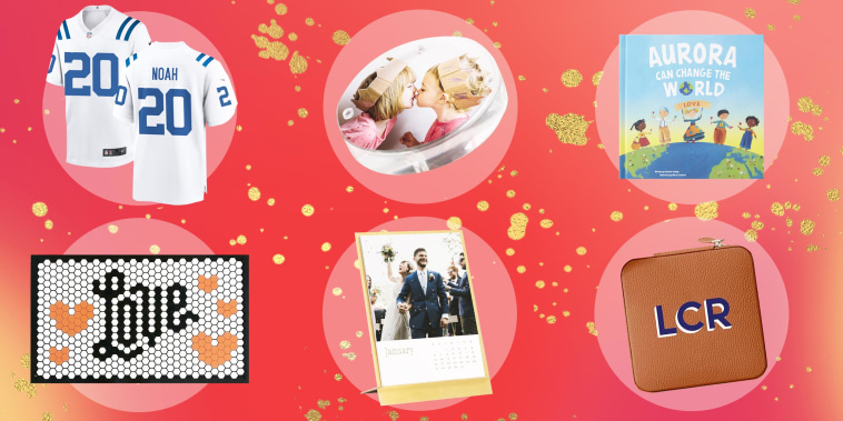Illustration of 6 different gifts you can buy for the holidays and personalize