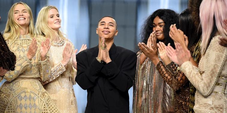 Balmain : Runway - Paris Fashion Week - Womenswear Spring Summer 2022
