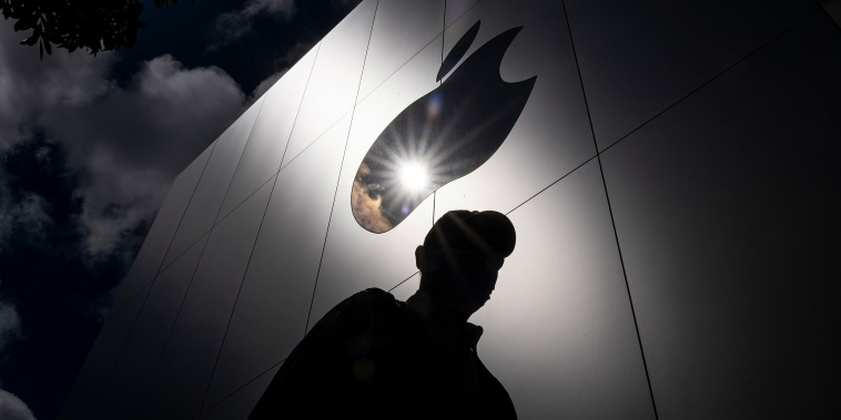 Apple Ups U.S. Investments Over Five Years To $430 Billion