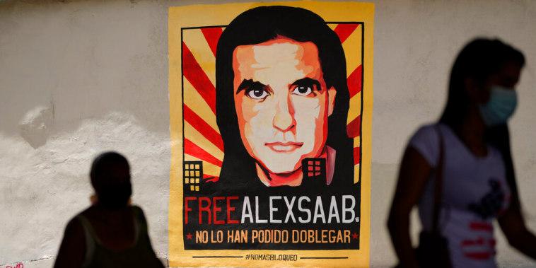 Un cartel en Caracas, Venezuela, que pide la liberación de Alex Saab, quien fue extraditado a EE.UU. bajo cargos de lavado de dinero