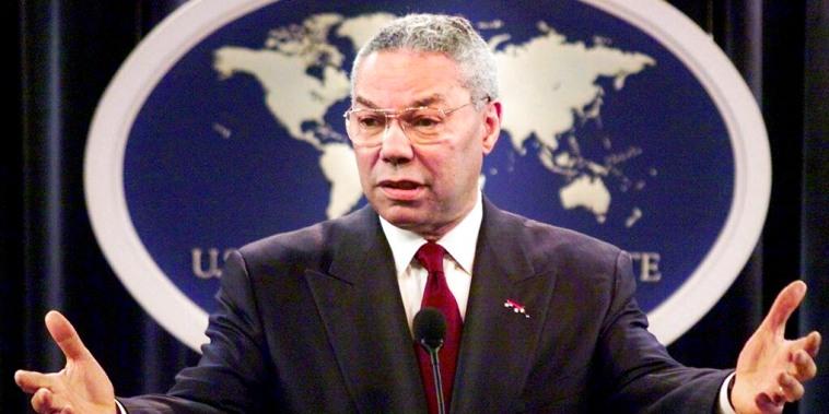 El entonces secretario de Estado Colin Powell durante una rueda de prensa en el Departamento de Estado el 21 de mayo de 2001.