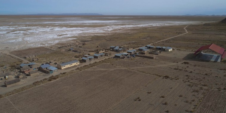 Una imagen aérea del lago Poopo en Bolivia, que prácticamente se ha secado debido al cambio climático