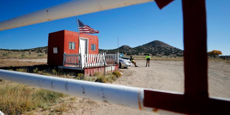 Seguridad privada en el set de filmación de la película 'Rust', en Nuevo México