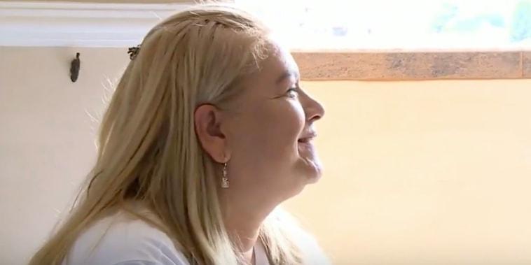 Martha Sepúlveda sufre de esclerosis lateral amiotrófica (ELA), conocida en Estados Unidos como enfermedad de Lou Gehrig, una enfermedad que no tiene cura y que debilita los músculos hasta que pierden su funcionalidad.
