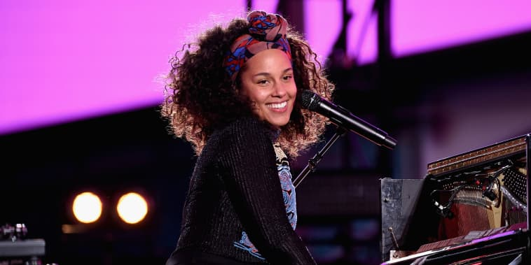 """Alicia Keys Celebrates Upcoming New Album """"HERE"""" With Special Show in Times Square"""