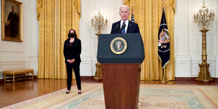 Image: President Joe Biden makes remarks on the economy and the Colonial Pipeline network cyber attack as Vice President Kamala Harris looks on in the East Room of the White House in on May 10, 2021.