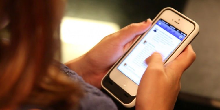 Cutting back on social media can make you happier, study says