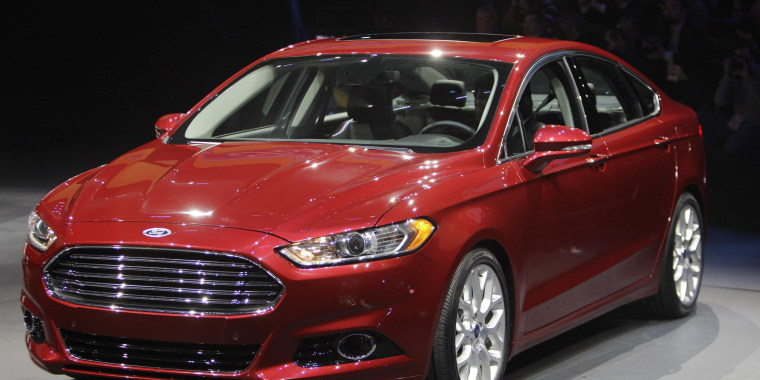 Federal safety investigators have closed an investigation that could have led to a recall of about 1.6 million Ford sedans and crossover vehicles.
