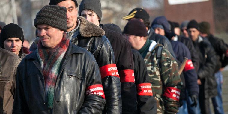 Image: Crimean pro-Russian volunteers
