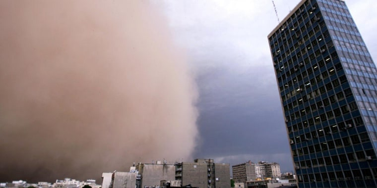Image: A massive sandstorm and record winds killed at least four people in Tehran on June 2