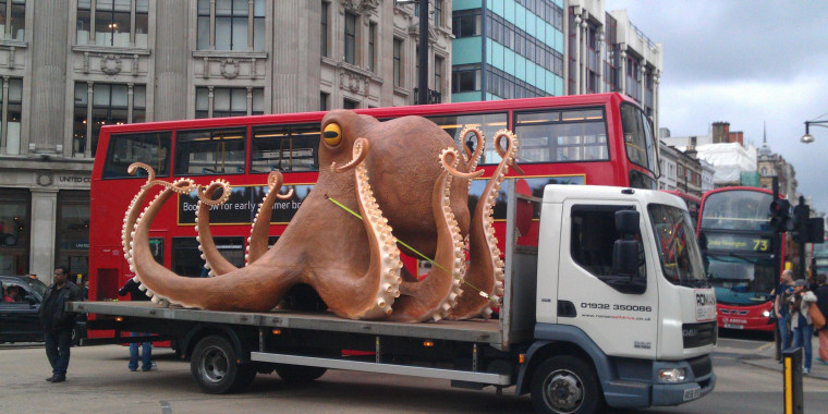 Lorry carrying a giant octopus sculpture breaks down on Oxford Street, London