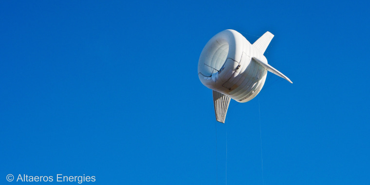 Image: Altaeros Energies' prototype in its second flight.