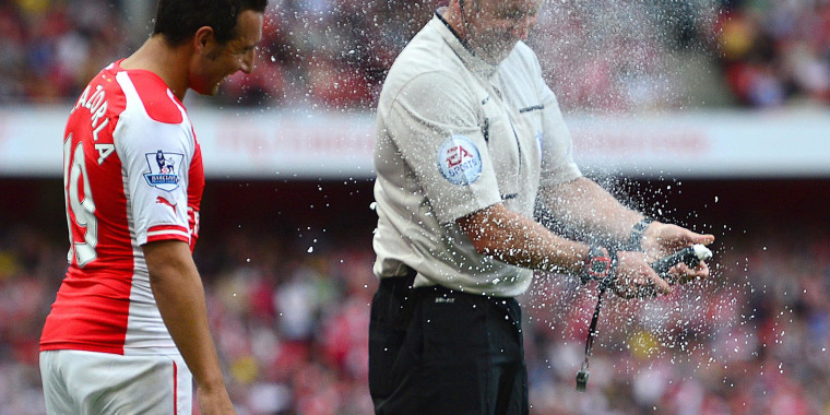 Image: Vanishing spray malfunctions during match between Arsenal and Crystal Palace in London on August 16