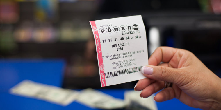 Image: Powerball lottery in New York City