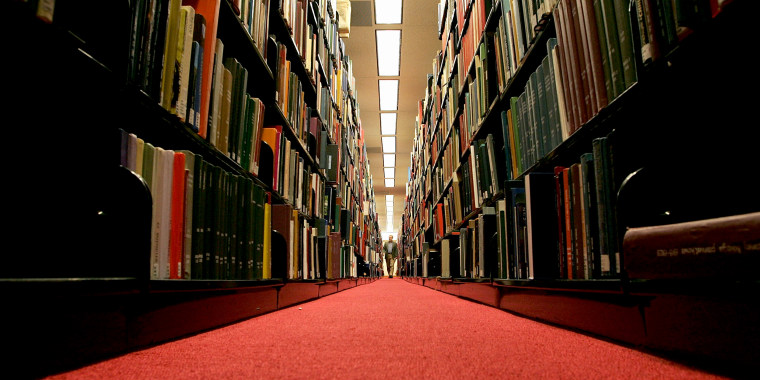 Image: college library