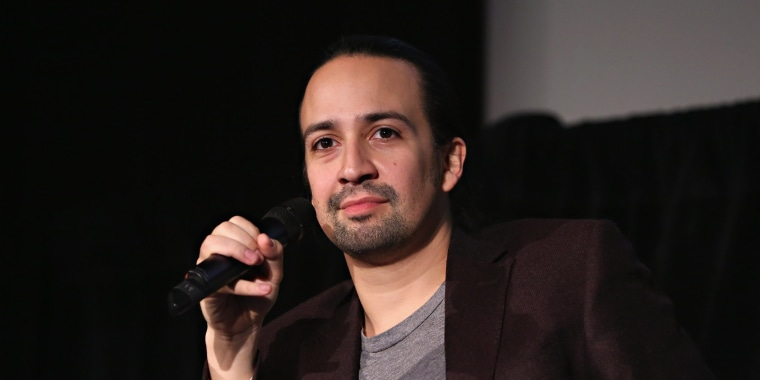 Image: FILE: Emily Blunt And Lin-Manuel Miranda To Lead 'Mary Poppins' Sequel