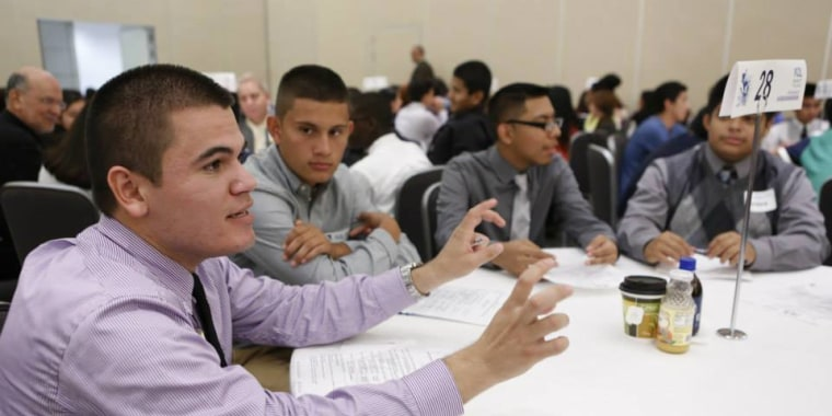 Carlos Vera is an associate at Megaphone Strategies