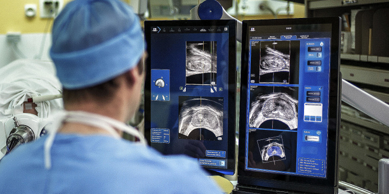 FRANCE-HEALTH-TECHNOLOGY-SURGERY-CANCER