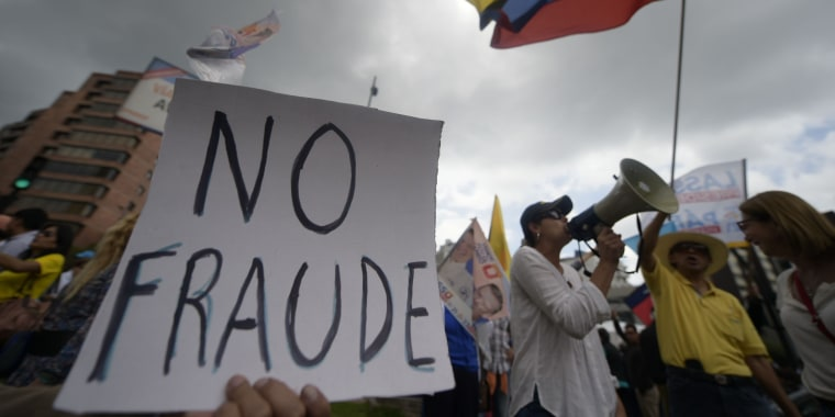 Image: ECUADOR-ELECTION-RESULTS-PROTEST